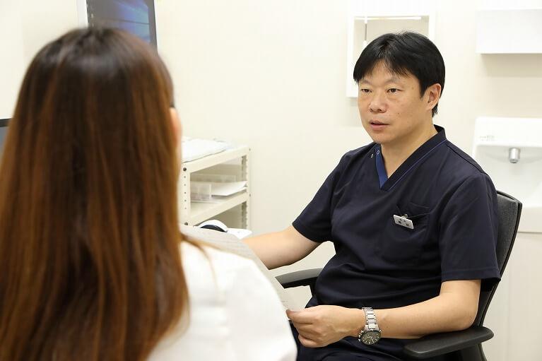 尋常性乾癬の治療はお薬や紫外線照射などを行います